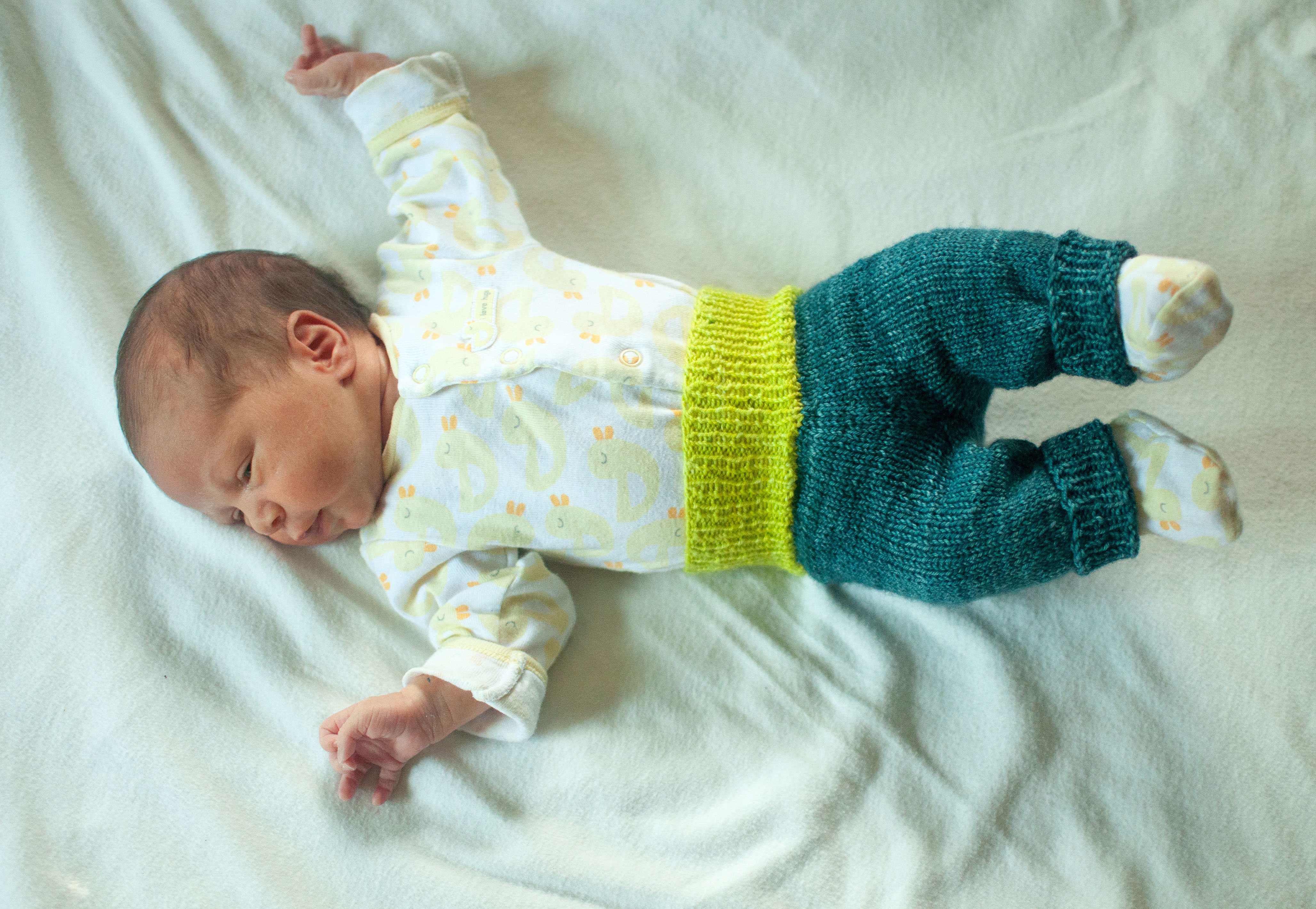Cover up those baby butts | knit the hell out